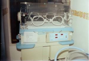 Incubadora para un hospital de Sucre (Bolivia). Financiado por ACAS