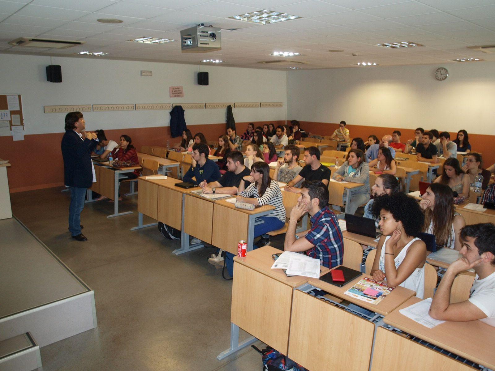 David Guillamón en la facultad de Psicología